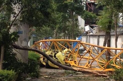 西安吊塔倒塌致4人遇难